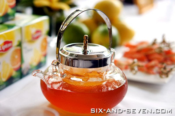 Six seven au jardin by les amis summer high tea with for Au jardin singapore