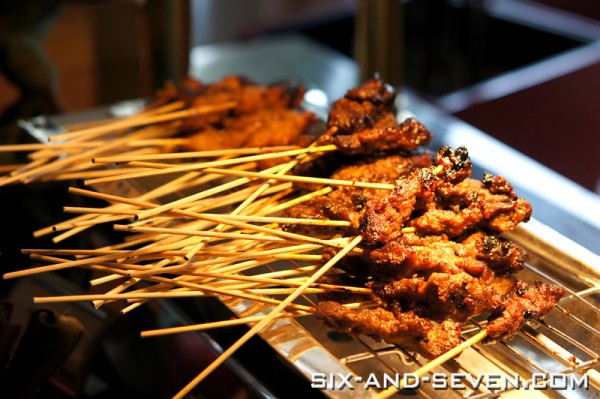 Town Restaurant - The Singapore Hawker Masters at The Fullerton Hotel - Haron Satay