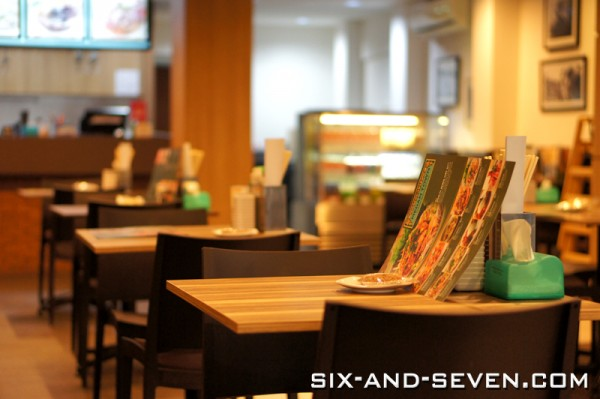 Medan Town Tanjong Katong - Singapore First Authentic Medanese Restaurant - Interior