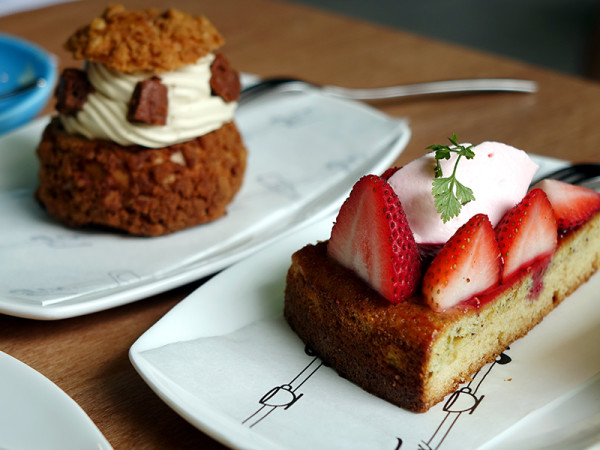 FIX Cafe - HomeTeamNS – JOM Clubhouse - Strawberry Pistachio Rose Tart and Butterscotch Arabica Choux