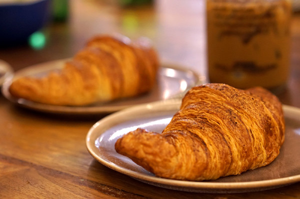 AEIOU Cafe - King George's Ave - Hum Chim Peng Croissant