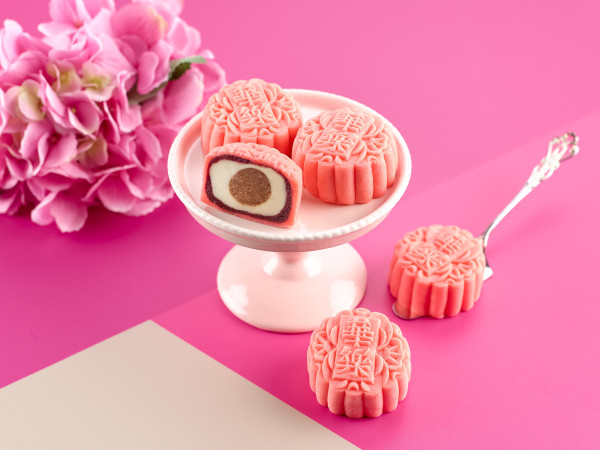 Carlton Hotel Singapore Mooncakes 2015 - Mini Red Velvet Snowskin Mooncakes