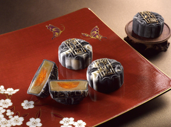 Mandarin Oriental Singapore Cherry Garden Mooncakes 2015 - Charcoal Snowskin Mooncake with Truffle Oil Lotus Paste & Salted Egg Yolk
