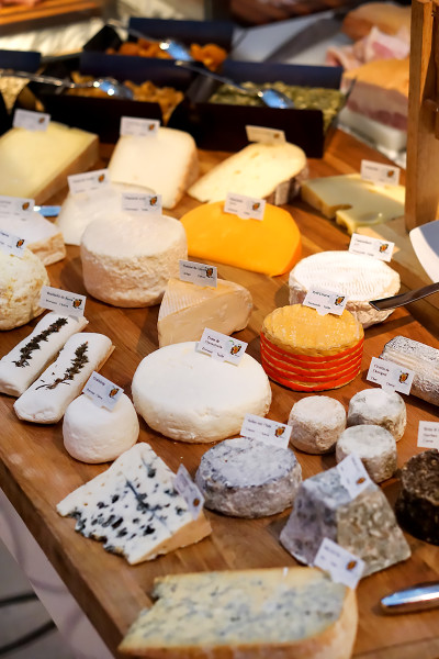 Colony at The Ritz-Carlton Millenia Singapore - Cheese Selection