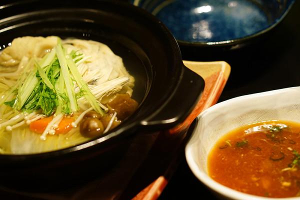 Mikuni Fugu Grand Tasting Menu - Fairmont Singapore - Fugu Chiri Nabe of Globefish Hot Pot2