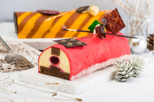 Pan Pacific Singapore - Christmas 2015 - Raspberry Pâte de Fruit with Szechuan Pepper infused Mascarpone Mousse Log Cake