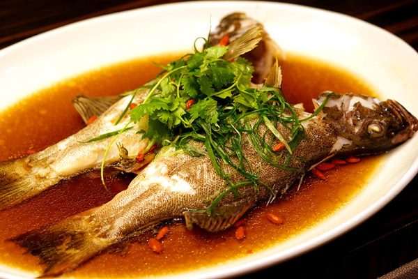 Chinese New Year 2016 - Pan Pacific Singapore Hai Tien Lo - Cantonese Steamed Grouper in Superior Soya Sauce