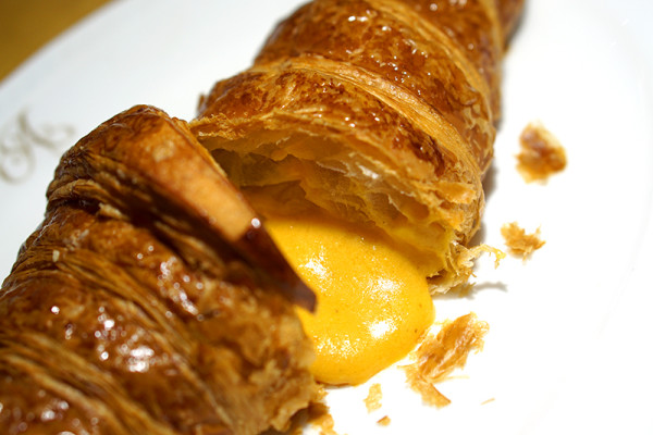Antoinette Joins the Salted Egg Wars - Launches Salted Egg Lava Croissant 2