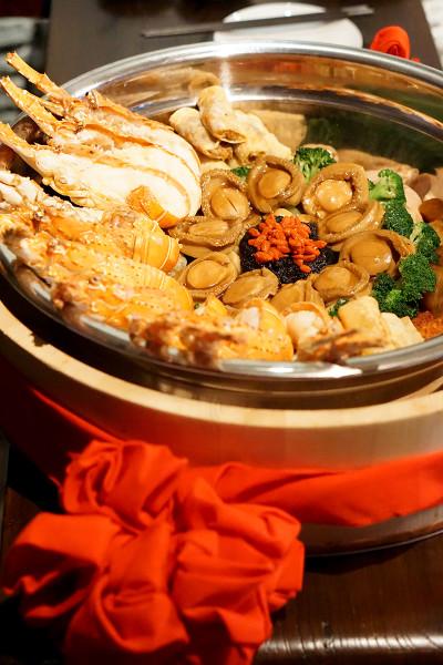 Chinese New Year 2016 - Cherry Garden Mandarin Oriental Singapore - Luxurious Pen Cai