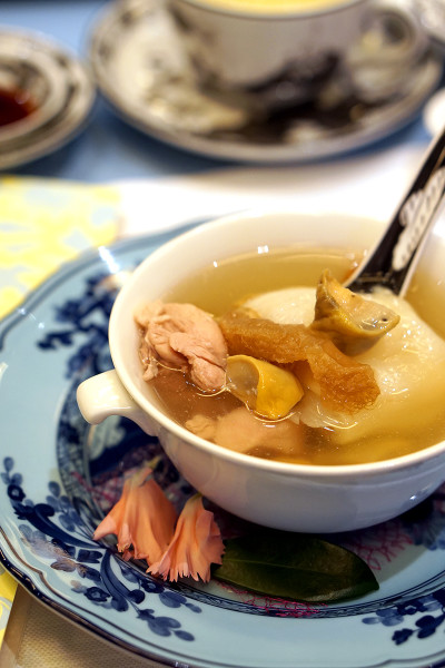 Chinese New Year 2016 - Summer Pavilion The Ritz-Carlton, Millenia Singapore - Double-boiled Chicken Soup with Sea Whelk & Fish