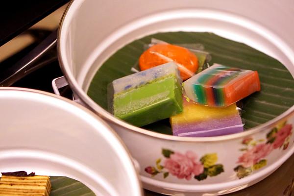 Pan Pacific Singapore Atrium's New Afternoon Tea Menus - Kueh