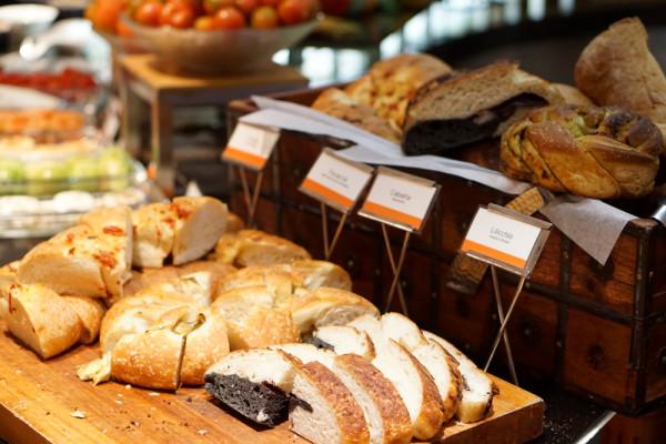 Basilico Regent Singapore - Freshly Baked Bread